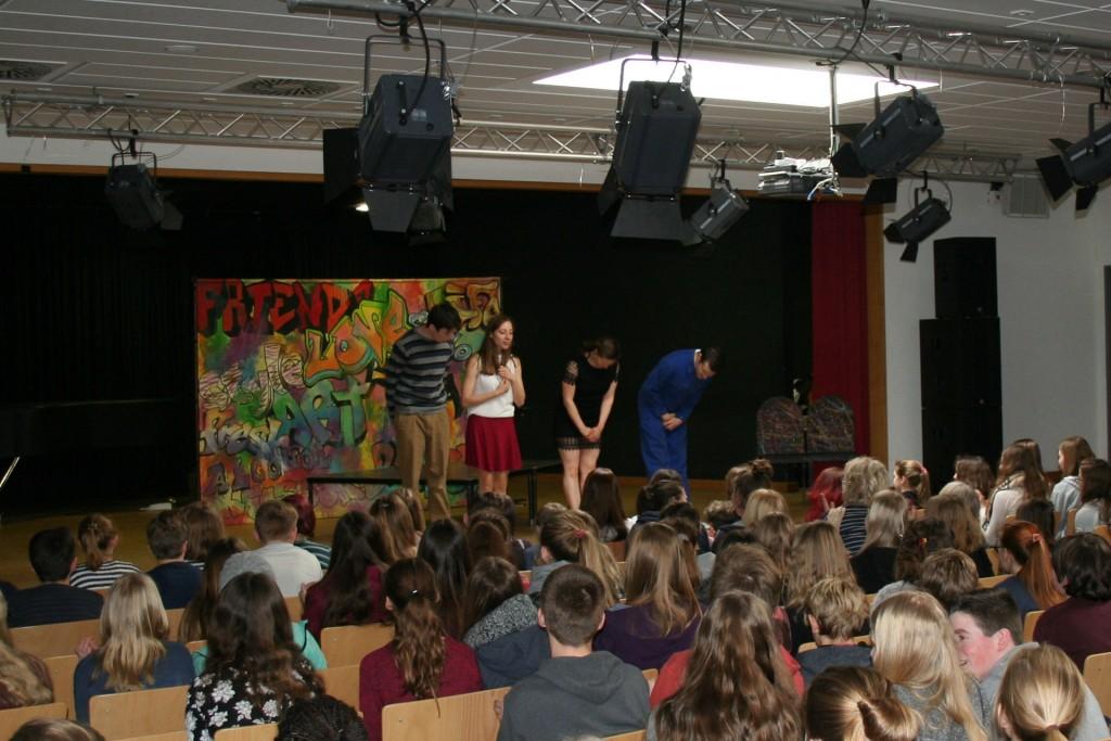 Applaus_für_die_Schauspieler